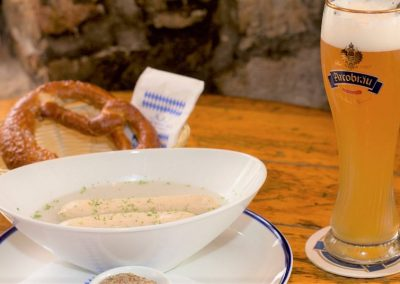 Acrobrau prezel and beer